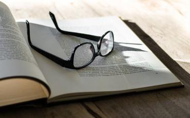 book-1091627_1920