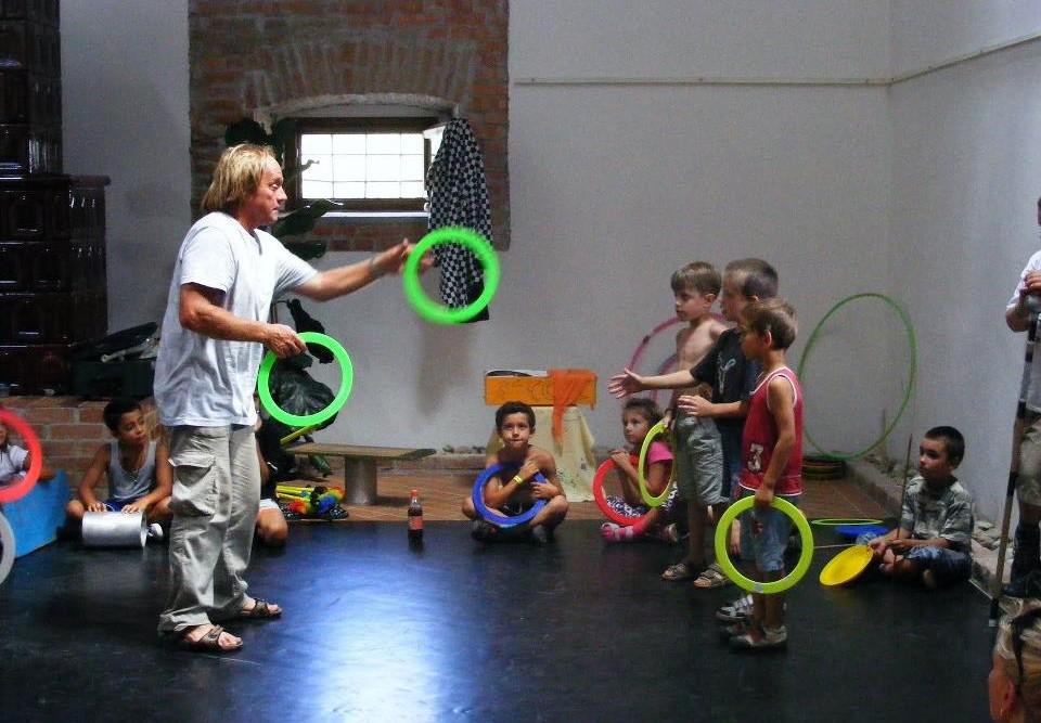 2010. július vége - Cirkusztábor a Gárdonyi Emlékháznál, Agárdon 02