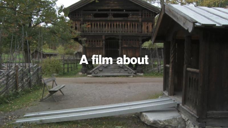"""Andreas Fogarasi """"Folkemuseum"""" című videóinstallációja"""