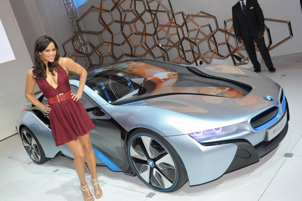 Paula Patton és a BMW