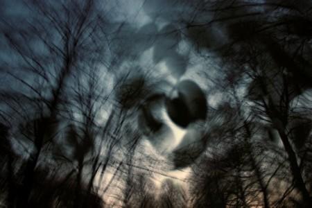Csonka Zoltán fotója a Téli rajzok című kiállításról