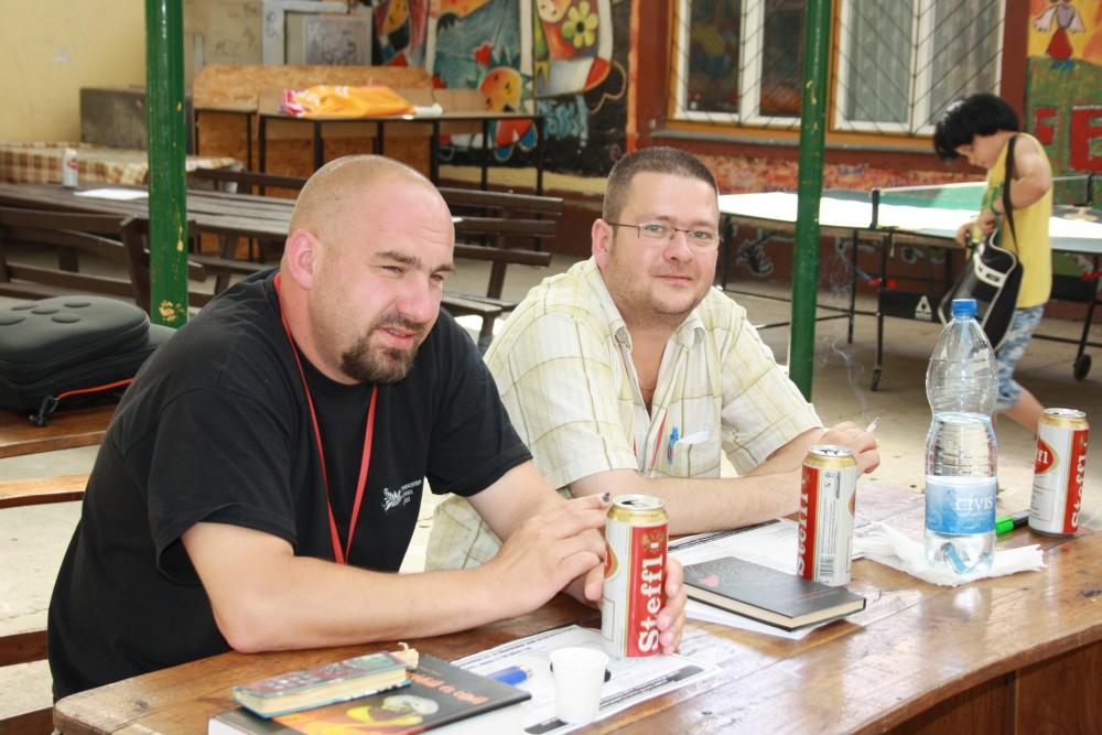 Farkas Wellmann Endre és Szentmártoni János a hajdúböszörményi írótáborban