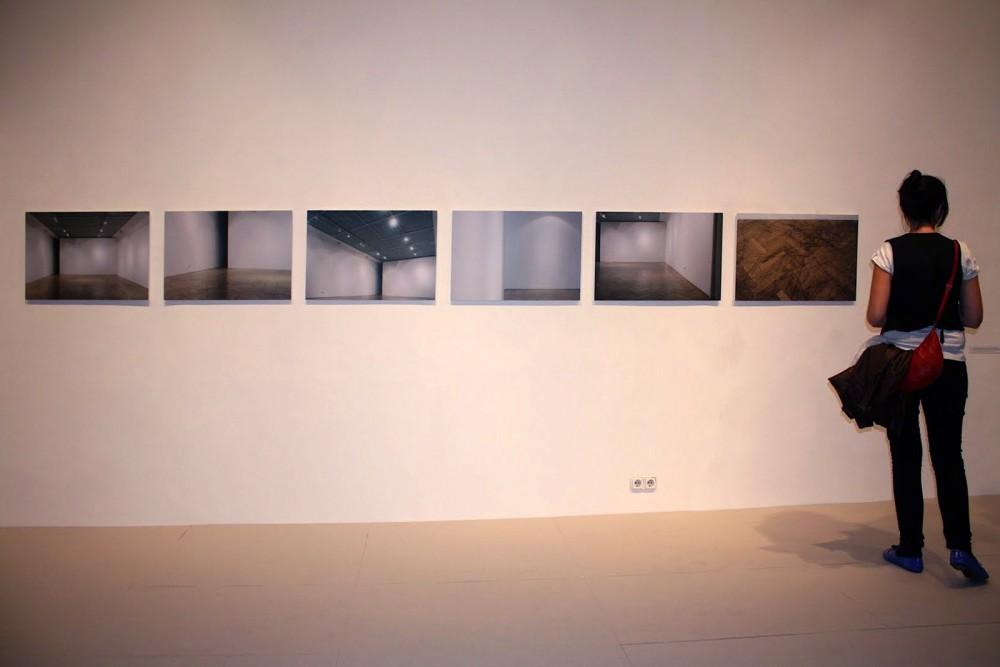 ÖSSZEFÜGGŐ TEREK, Csoportos kiállítás az Ernst Múzeumban