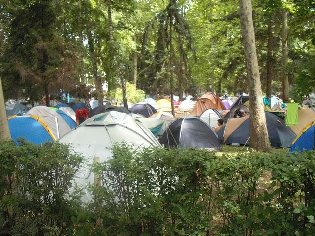 Ébredző sátortábor