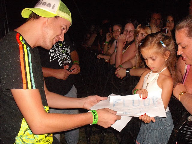 Fogkrémes Tamás és ifjú rajongója
