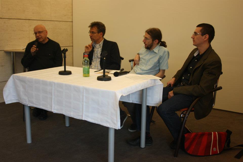 Kerekasztal-beszélgetés műhelyvezetőkkel (balról): Fráter Zoltán, Hörcher Ferenc, Lapis József, Fodor Péter